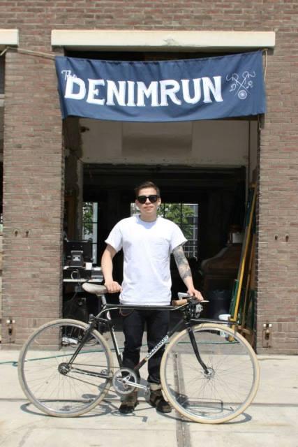 the denim run eindhoven long john blog wing mok emiel gerardu bicycle fietsen denim jeans strijp-s amsterdam 2015 15 event special drinks festival bikes blauw blue indigo (3)