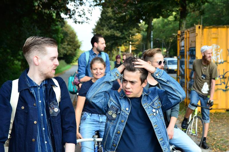 the-denim-run-long-john-blog-jeans-denimride-bikes-bicycle-eindhoven-nederland-the-netherlands-blue-indigo-2016-part-4-wing-mok-emiel-gerardu-het-verzet-wielerhuis-11