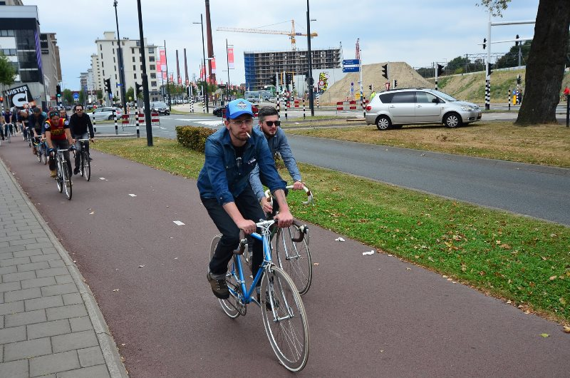 the-denim-run-long-john-blog-jeans-denimride-bikes-bicycle-eindhoven-nederland-the-netherlands-blue-indigo-2016-part-4-wing-mok-emiel-gerardu-het-verzet-wielerhuis-20
