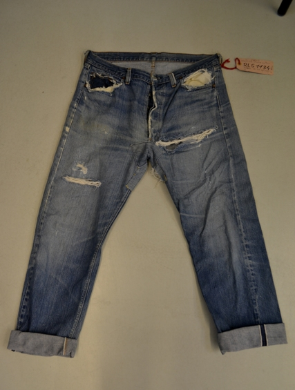 Amsterdam denim days long john blog teaser wouter munnichs denim jeans antonio di battista private collection deadstock selvage levi's lee wrangler selvedge worn-out old destroyed blue rigid raw red tab big e  (7)