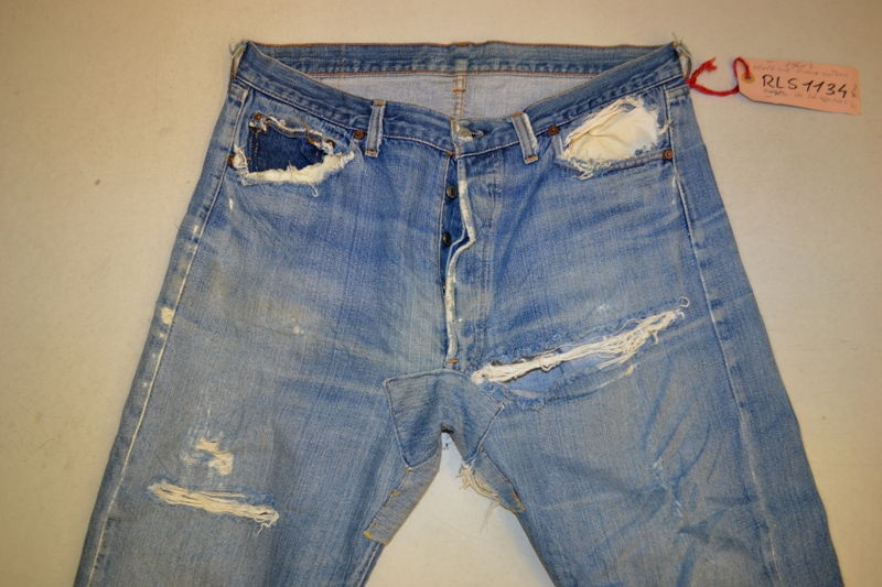 Amsterdam denim days long john blog teaser wouter munnichs denim jeans antonio di battista private collection deadstock selvage levi's lee wrangler selvedge worn-out old destroyed blue rigid raw red tab big e  (8)