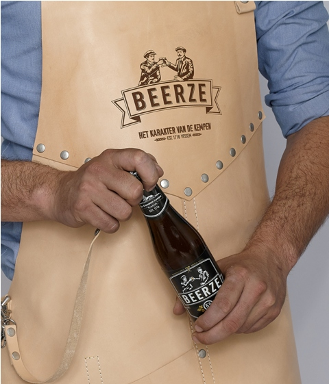 Butts and Shoulders X Beerze Beer Collab bier long john blog wouter munnichs eindhoven holland nl beer bottle opener limit edition natural tanned leather(13)