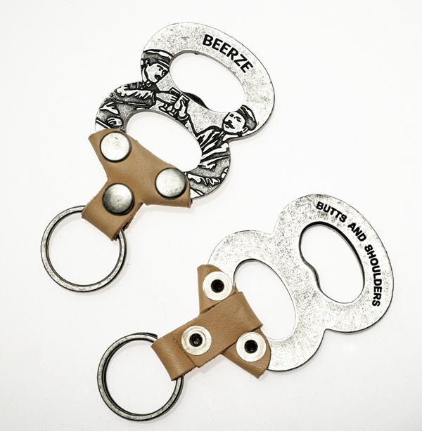 Butts and Shoulders X Beerze Beer Collab bier long john blog wouter munnichs eindhoven holland nl beer bottle opener limit edition natural tanned leather(20)