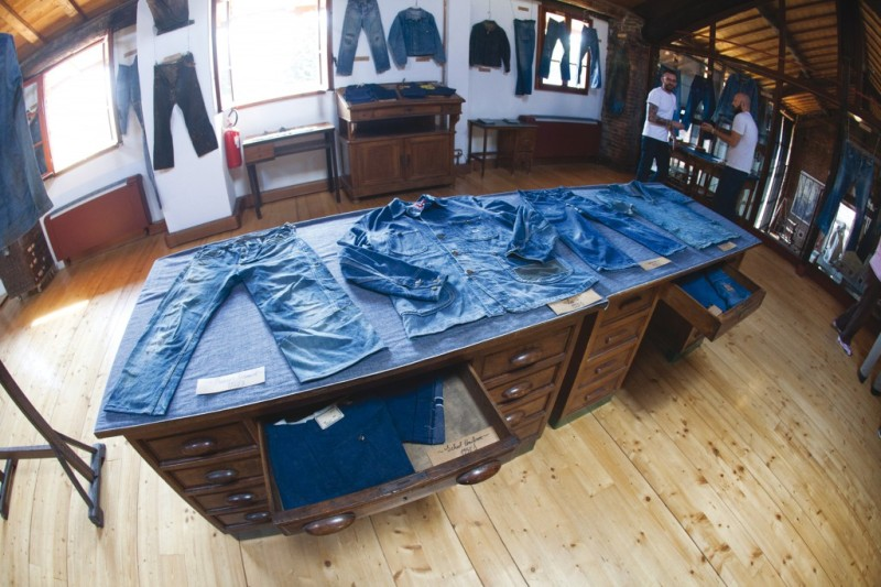 Denim Boulevard long john blog second edition blue blanket jeans event crackers magazine antonio di battista milan milaan italy denim jeans june 2014 berto textiles shuttle loom authentic selvage selvedge  (