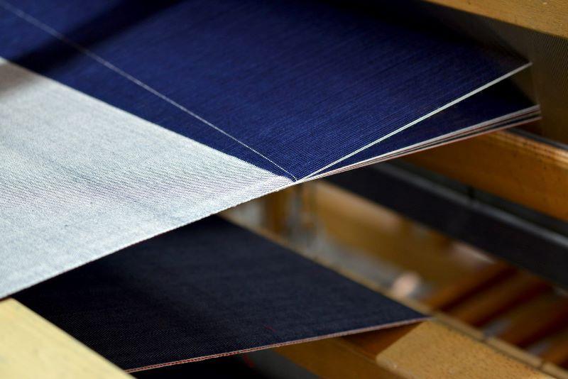 Le Mani by Manifattura 1887 long john blog denim jeans handmade shuttle loom blue indigo selvage selvedge (1)