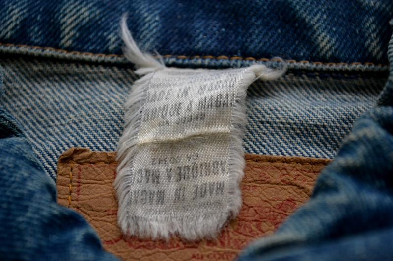 Levi's Jeans long john blog big e red tab 1970 vintage patched patches made in macau white label button 350 digits blue worn-out usa levi strauss trucker jacket type 3  (7)