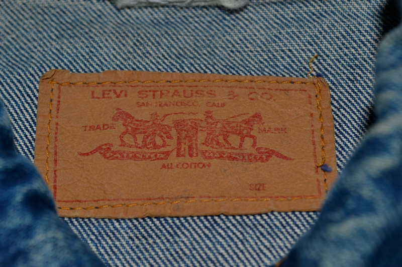 Levi's Jeans long john blog big e red tab 1970 vintage patched patches made in macau white label button 350 digits blue worn-out usa levi strauss trucker jacket type 3  (8)