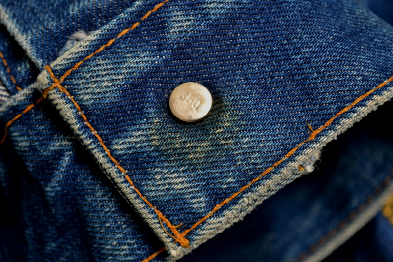 Levi's Jeans long john blog big e red tab 1970 vintage patched patches made in macau white label button 350 digits blue worn-out usa levi strauss trucker jacket type 3  (9)