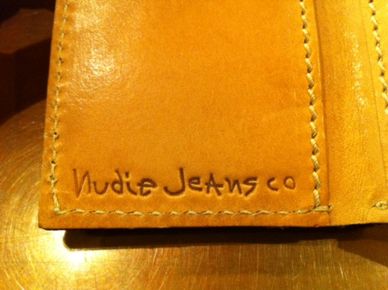 Nudie card wallet holder long john blog sweden natural tanned leather jeans denim selvage selvedge Nudie Cohen vielgut shop store eindhoven holland (2)
