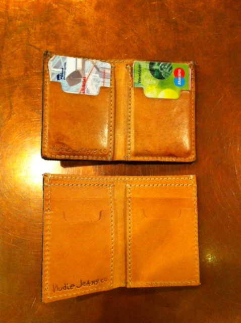 Nudie card wallet holder long john blog sweden natural tanned leather jeans denim selvage selvedge Nudie Cohen vielgut shop store eindhoven holland (3)