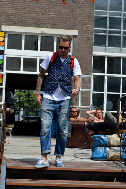The denim run eindhoven holland long john blog wing mok emiel gerardu south of holland bikers bicycle customized fixies ketelhuis bbq strijp-s part 2 second edition wheels denim people denimheads blue raw rigid  ( (14)