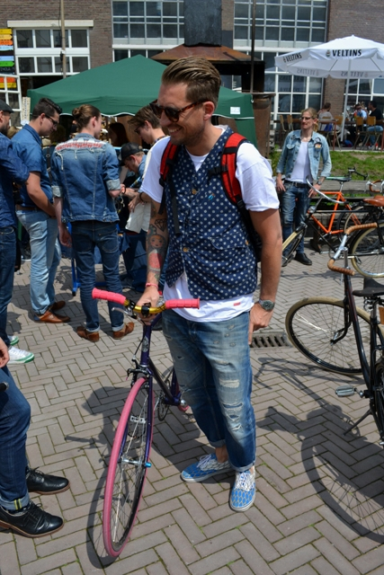 The denim run eindhoven holland long john blog wing mok emiel gerardu south of holland bikers bicycle customized fixies ketelhuis bbq strijp-s part 2 second edition wheels denim people denimheads blue raw rigid  ( (17)