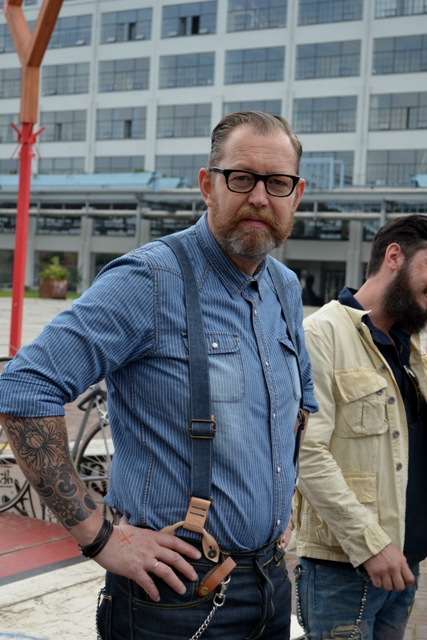 The denim run eindhoven holland long john blog wing mok emiel gerardu south of holland bikers bicycle customized fixies ketelhuis bbq strijp-s part 2 second edition wheels denim people denimheads blue raw rigid  ( (22)