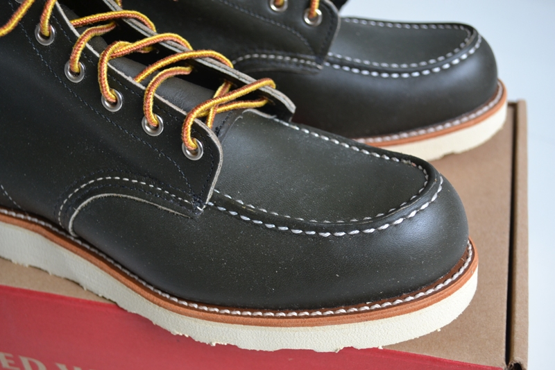 The-original-Red-Wing-888-next-to-the-new-Red-Wing-8180-Kangatan long john blog usa made goodyear welted construction workwear moc toe 1905 golden brown laces white sole army green kickers japan  (3)