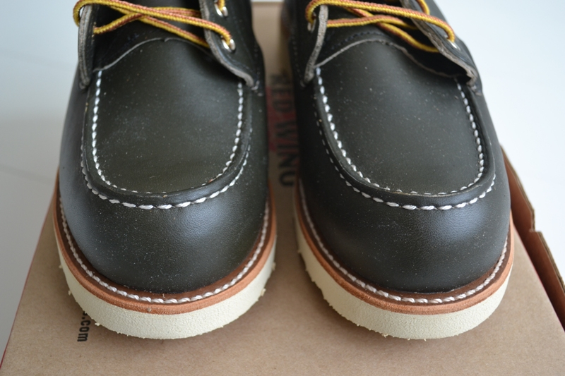 The-original-Red-Wing-888-next-to-the-new-Red-Wing-8180-Kangatan long john blog usa made goodyear welted construction workwear moc toe 1905 golden brown laces white sole army green kickers japan  (6)