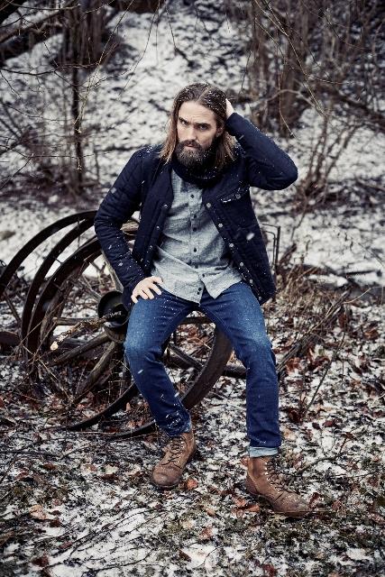 blue-de-genes-lookbook-winter-fall-2016-long-john-jeans-denim-photography-photos-photo-styling-clothing-jeans-denim-blouse-knitwear-denmark-genua-2