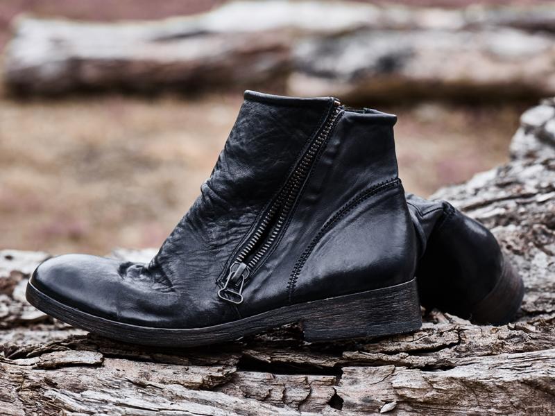 blue-de-genes-lookbook-winter-fall-2016-long-john-jeans-denim-photography-photos-photo-styling-clothing-jeans-denim-blouse-knitwear-denmark-genua-4-shoes-footwear-5