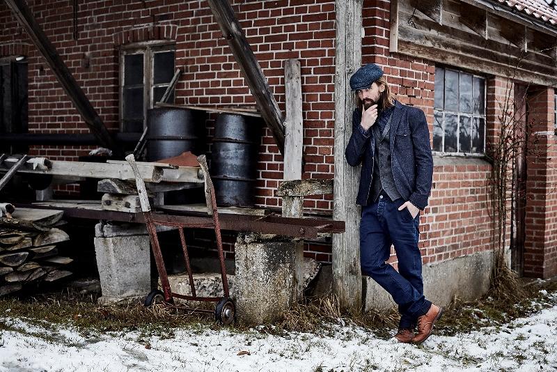 blue-de-genes-lookbook-winter-fall-2016-long-john-jeans-denim-photography-photos-photo-styling-clothing-jeans-denim-blouse-knitwear-denmark-genua-8