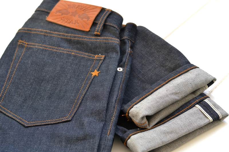 brave star denim jeans long john blog blue raw rigid unwashed selvage selvedge buttons 5 pocket rigid usa cone mills fabric usa made handmade blauw spijkerbroek review leather patch chainstitch indigo (1)