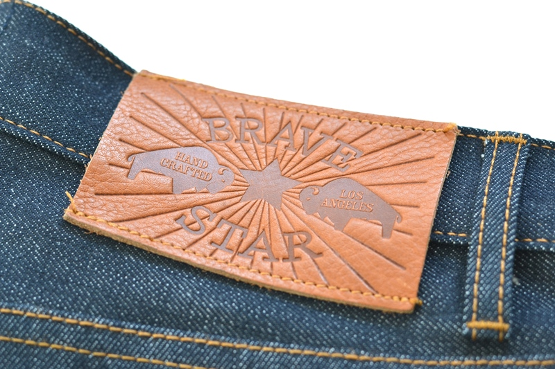 brave star denim jeans long john blog blue raw rigid unwashed selvage selvedge buttons 5 pocket rigid usa cone mills fabric usa made handmade blauw spijkerbroek review leather patch chainstitch indigo (4)