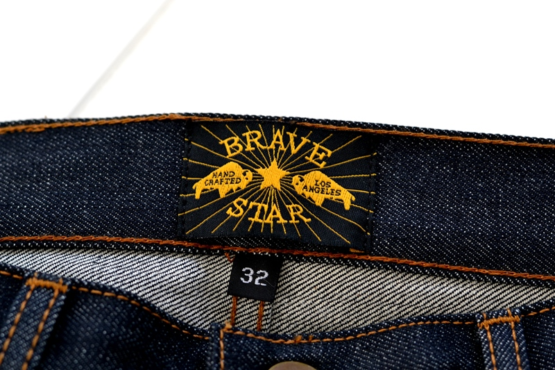 brave star denim jeans long john blog blue raw rigid unwashed selvage selvedge buttons 5 pocket rigid usa cone mills fabric usa made handmade blauw spijkerbroek review leather patch chainstitch indigo (9)