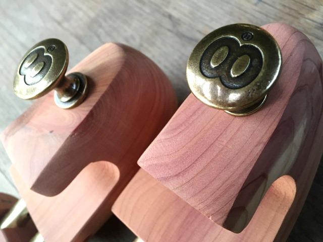 butts-and-shoulders-shoe-stretchers-bee-wax-products-product-long-john-blog-denim-jeans-leather-cedar-wood-wooden-handmade-buttsandshoulders-10