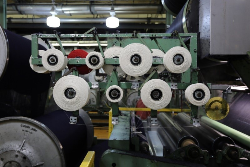 cone mills usa levis levi strauss the golden handshake long john blog jeans denim blue usa us mill celebration indigo factory fabriek hand made authentic white oak (3)