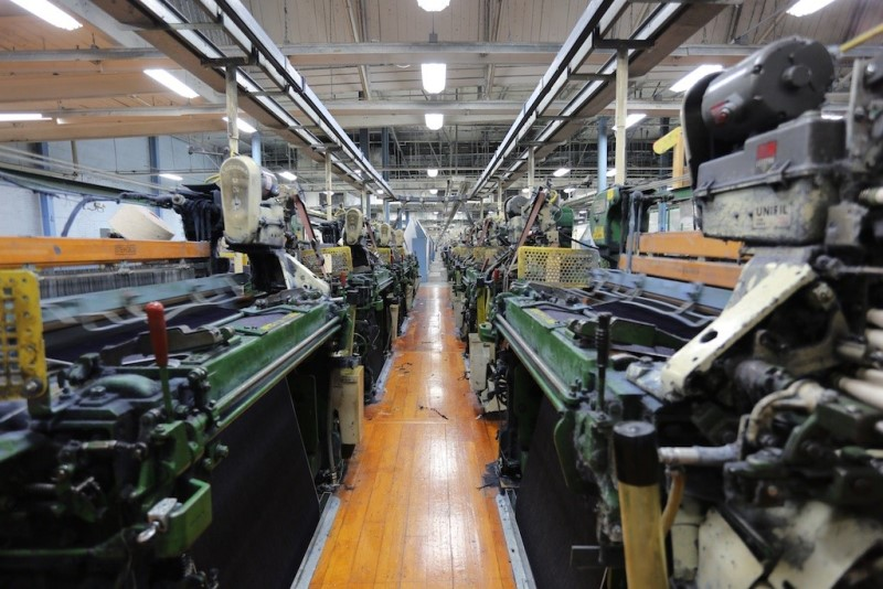 cone mills usa levis levi strauss the golden handshake long john blog jeans denim blue usa us mill celebration indigo factory fabriek hand made authentic white oak (6)