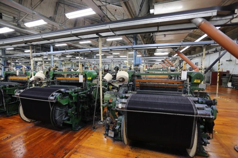 cone mills usa levis levi strauss the golden handshake long john blog jeans denim blue usa us mill celebration indigo factory fabriek hand made authentic white oak (7)