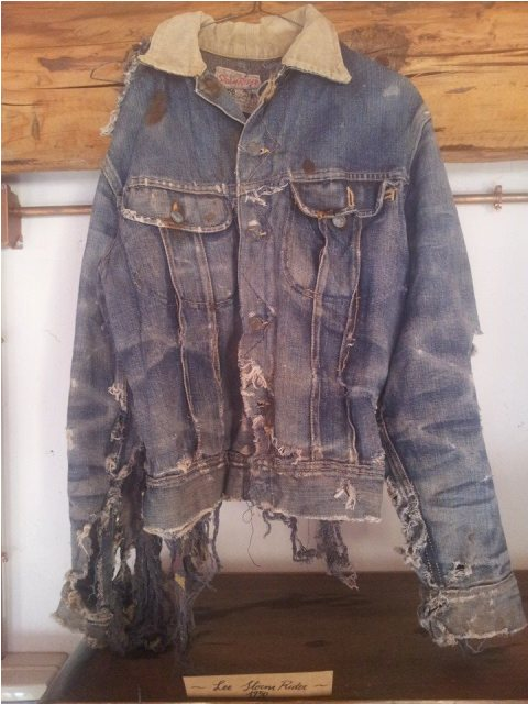 denim boulevard milan 2014 italy long john blog antonio di battista blue blanket jeans expo exhibition event pierro turk piero turk jeans selvage old shuttle looms toyoda second edition worn-out items blue ( (11)