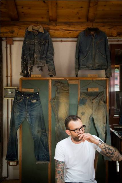 denim boulevard milan 2014 italy long john blog antonio di battista blue blanket jeans expo exhibition event pierro turk piero turk jeans selvage old shuttle looms toyoda second edition worn-out items blue ( (4)