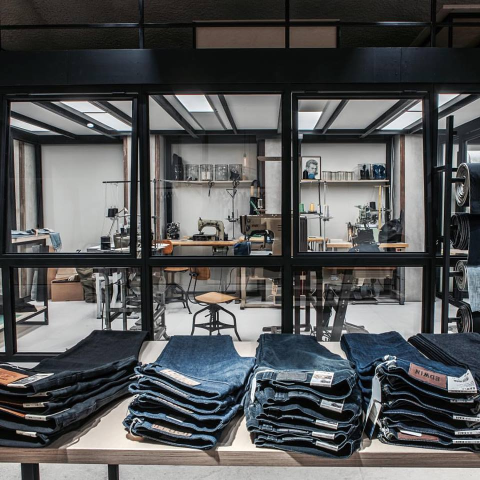denoism rotterdam store retail long john blog denim jeans men mannen winkel holland netherlands blue indigo coffee koffie custom jeans hand made 2015 niek logger cafe  (9)