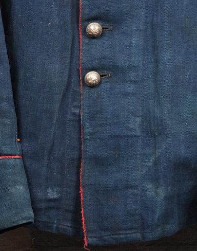 french france firemen fireman jacket jack long john blog toile de chine blue vintage old 1940 1950 treasure herringbone fabric faded blouse jasje brandweerman deadstock  (4)