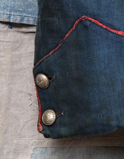 french france firemen fireman jacket jack long john blog toile de chine blue vintage old 1940 1950 treasure herringbone fabric faded blouse jasje brandweerman deadstock  (7)