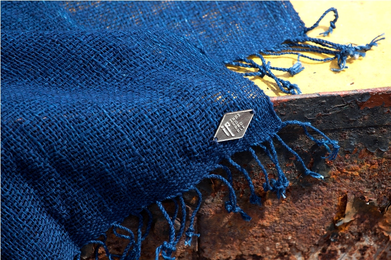 indigo People long john blog scarfs spring 2015 collection indigo natural authentic blue weaving dying dyeing dipped natuurlijk gedipt blauw geweven thailand india handgeweven  (3)