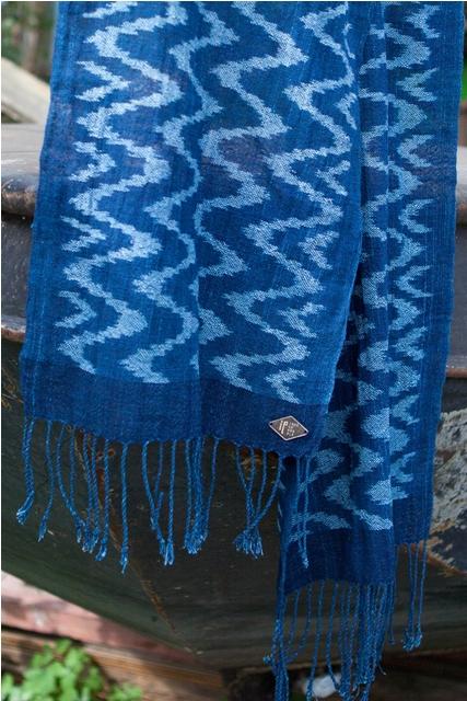 indigo People long john blog scarfs spring 2015 collection indigo natural authentic blue weaving dying dyeing dipped natuurlijk gedipt blauw geweven thailand india handgeweven  (8)