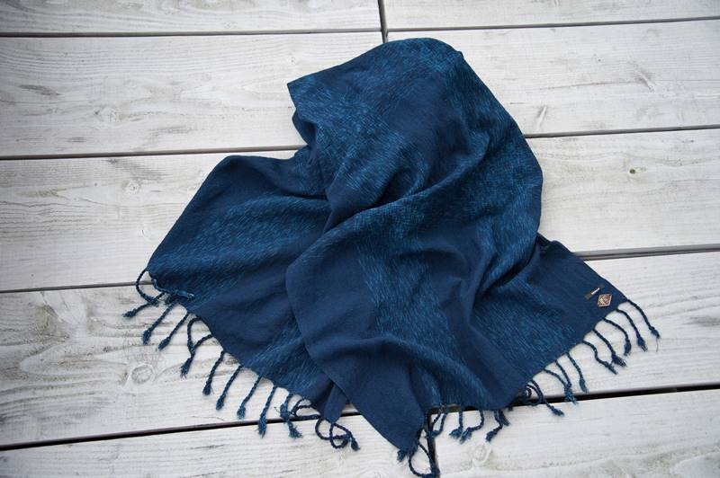 indigo people denham jeans scarf scarves sjaal long john blog denim jeans blue natural indigo dyed handloom woven fabric kiat  (1)