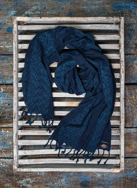 indigo people denham jeans scarf scarves sjaal long john blog denim jeans blue natural indigo dyed handloom woven fabric kiat  (5)