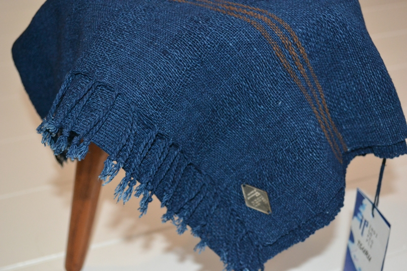 indigo people scarfs long john blog blue denim holland handwoven hand made natural indigo blue sjaal handgemaakt tsuru 2014 xmas gift (21)