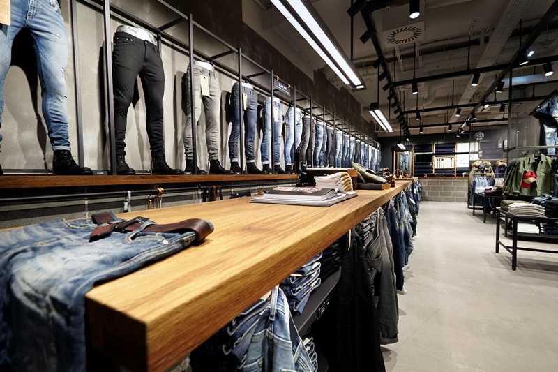 jack-and-jones-long-john-blog-jeans-intelligence-studio-salzburg-store-shop-austria-denim-jeans-new-2016-fall-winter-concept-blue-indigo-spijkerbroek-bestseller-16