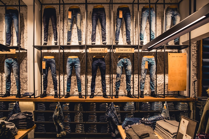 jeans-intelligence-studio-tilburg-long-john-blog-store-jeans-denim-jack-and-jones-menswear-blue-indigo-december-2016-opening-open-heuvelstraat-music-food-drinks-3