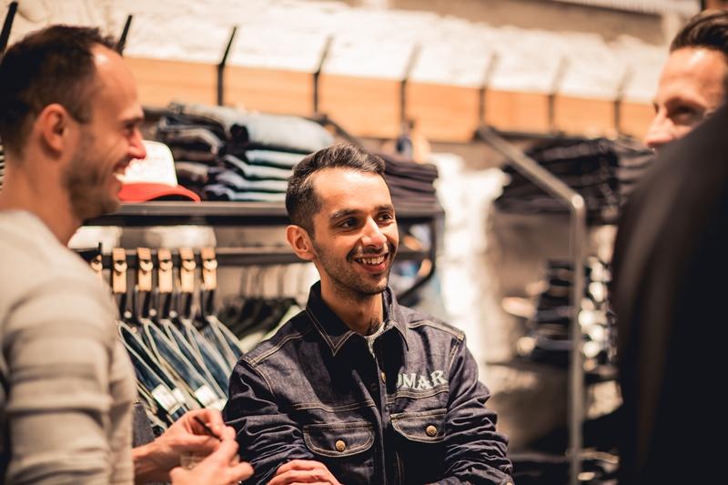 jeans-intelligence-studio-tilburg-long-john-blog-store-jeans-denim-jack-and-jones-menswear-blue-indigo-december-2016-opening-open-heuvelstraat-music-food-drinks-36