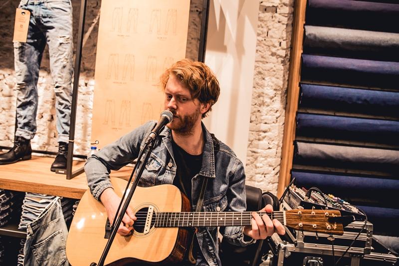 jeans-intelligence-studio-tilburg-long-john-blog-store-jeans-denim-jack-and-jones-menswear-blue-indigo-december-2016-opening-open-heuvelstraat-music-food-drinks-39