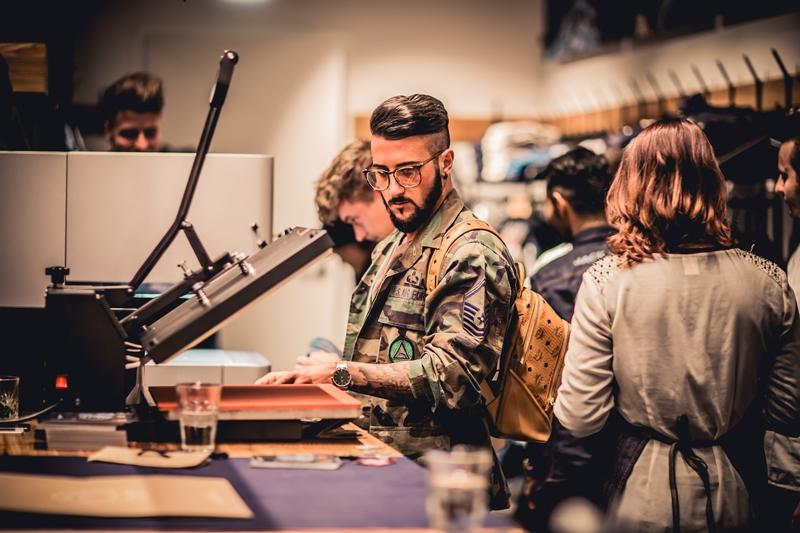 jeans-intelligence-studio-tilburg-long-john-blog-store-jeans-denim-jack-and-jones-menswear-blue-indigo-december-2016-opening-open-heuvelstraat-music-food-drinks-42