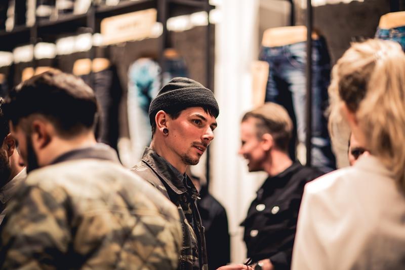 jeans-intelligence-studio-tilburg-long-john-blog-store-jeans-denim-jack-and-jones-menswear-blue-indigo-december-2016-opening-open-heuvelstraat-music-food-drinks-47