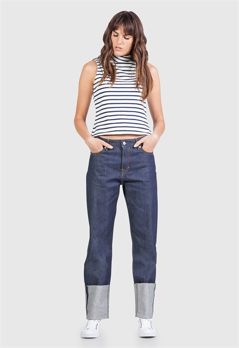 kings of indigo jeans denim longjohnblog indigo amsterdam holland women ladies spijkerbroek blue blauw 5 pocket patched repairs white shirt (3)