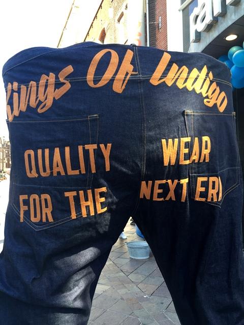 kings-of-indigo-koi-long-john-blog-jeans-denim-blue-amsterdam-tony-tonnaer-sumo-big-jeans-size-82-waist-bigjeans-promo-jeans-19