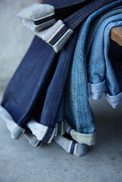 kings of indigo shuttle loom tony tonnaer long john blog amsterdam jeans denim rigid koi selvage selvedge blue rigid raw unwashed 5 pocket leather patch re-use repair indigo  (2)