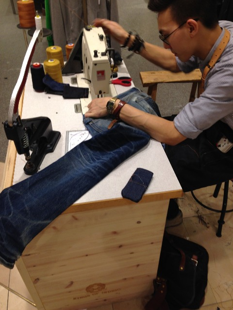 koi kings of indigo long john blog tony tonnaer jeans denim bijenkorf shop store event repair kit 2014 special handmade jean school amsterdam handmade rigid selvage (8)