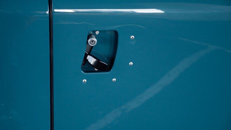 landrover defender longjohn Marine Blue High Quality Glasurit Paint car auto sale denimhead indigo blue blauw vintage 4x4 denimpeople classic uk (13)